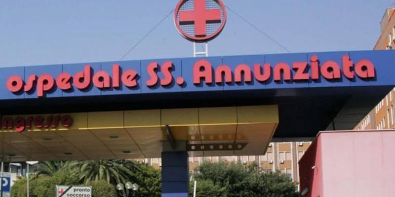 si suicida lanciandosi dal quinto piano dell'ospedale